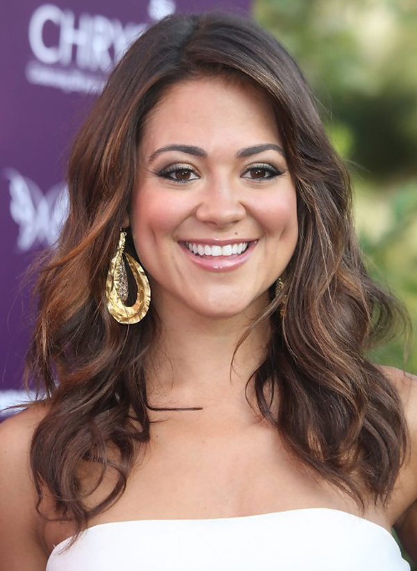 Medium Length Hairstyles for Round Faces Thick Hair