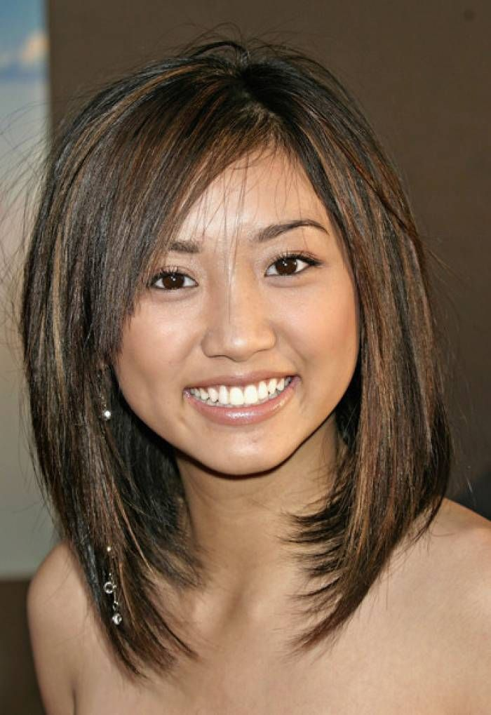 mid length hairstyles for round faces