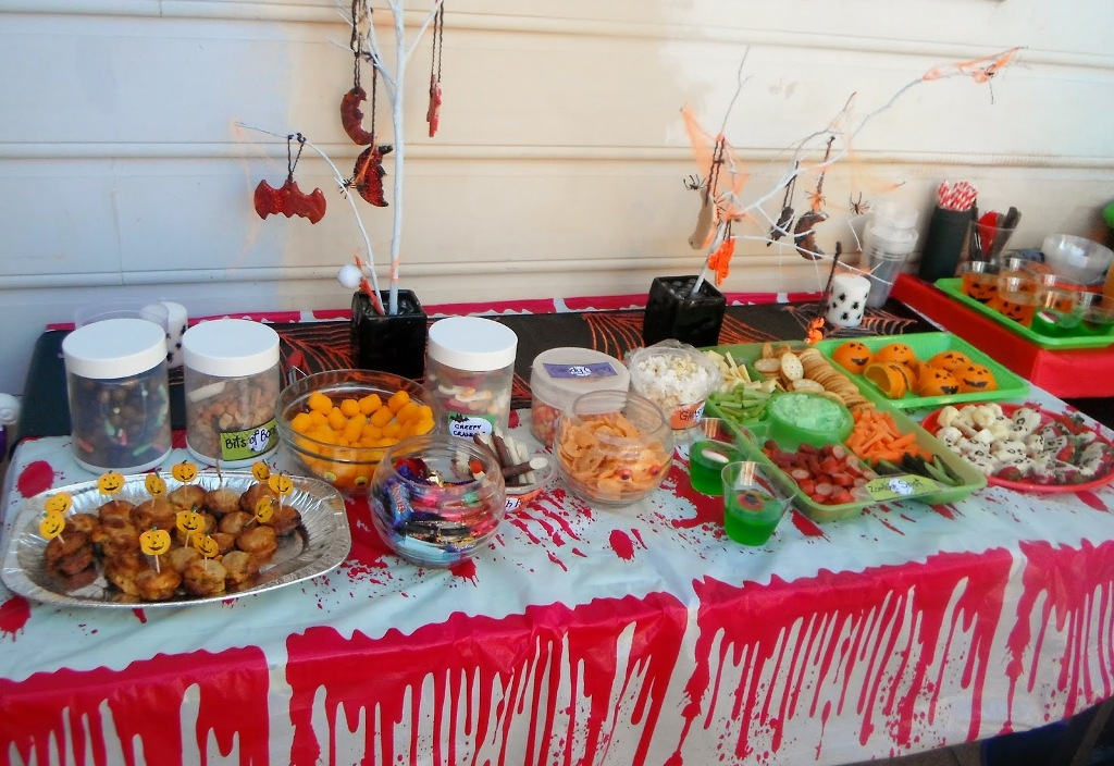 haloween party table decorations food